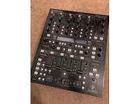 Behringer DDM 4000 professional digital dj mixer