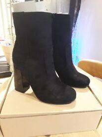 BNWT Boohoo Ladies Boots