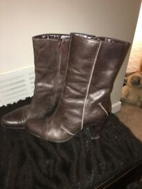Jones Boots, ladies, size 4. Brown.