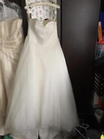 Wedding dress size 18-20 ivory