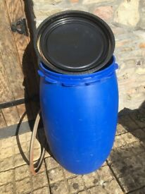 Water/liquid container