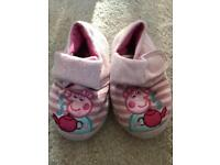 Peppa Pig Infant/baby slippers size 6