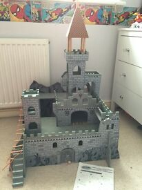 Wooden Castle with accessories