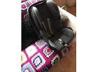 Quinny Buzz Xtra rocking black 3-1 travel system with Isofix