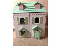 Dolls house in good, clean condition Furniture included