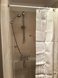 Great Location double room with own shower. Perfect for a couple.