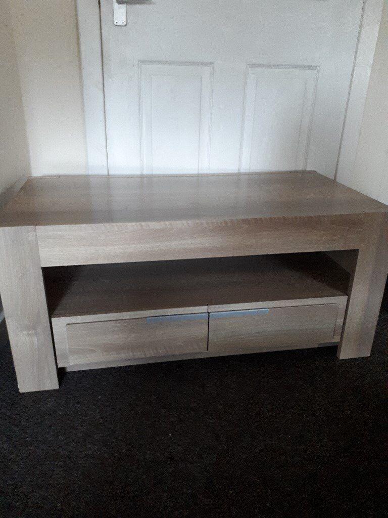 oak effect livingroom table