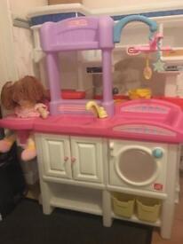 Step2 love and care nursery station