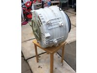 For sale. A complet inner drum outer drum for a washing machine. Hotpoint Aquarius. Model:WML