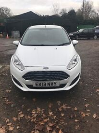 FROZEN WHITE FORD FIESTA 1.25 LOW MILAGE