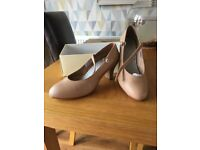 Bloch Genuine Tan Character shoe size 6.