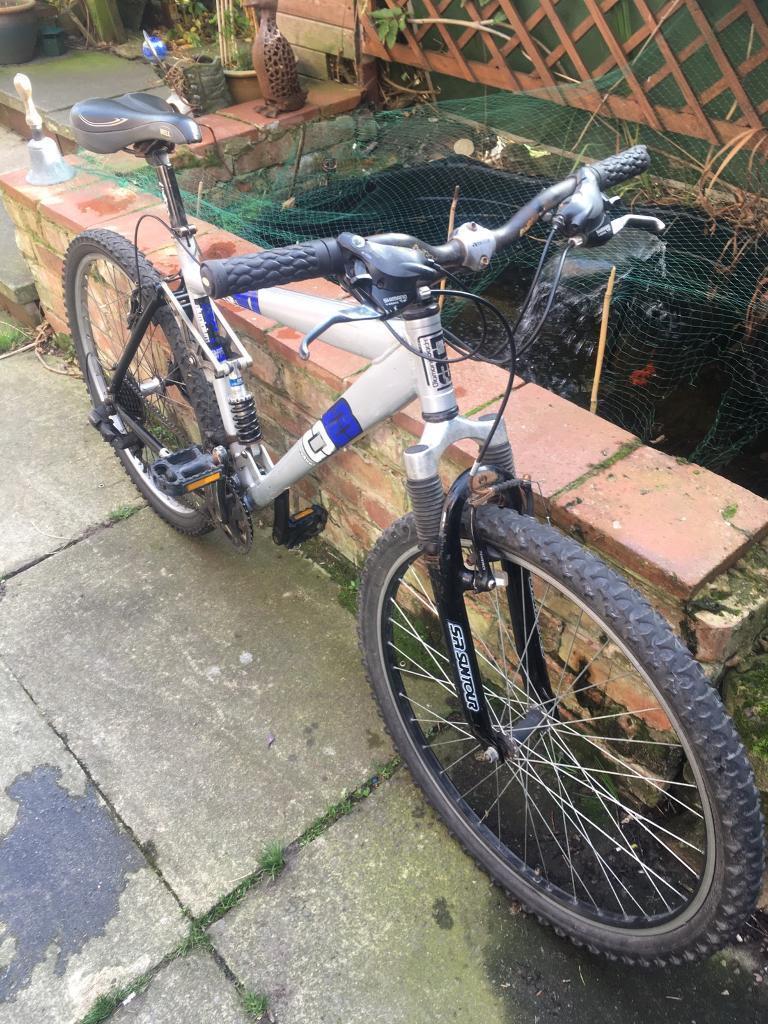 Diamond back m20 full suspension mountain bike