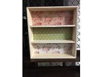 Dinky little shabby chic/vintage look shelf
