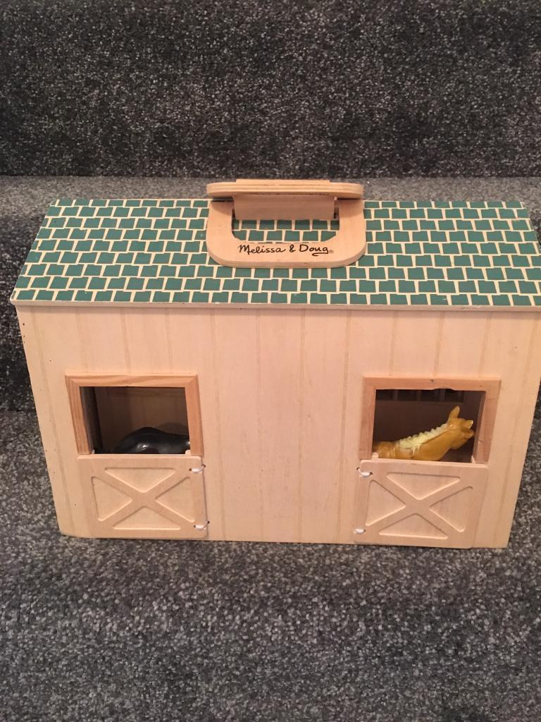 Melissa and Doug carry around horses stable- wooden