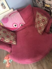 Pink sofa with cuddle chair cushion does need a new zip one with black throw
