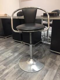 Rem salon chair