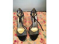 Black and gold mesh woman's Latin/salsa/tango dance shoes size 8/42