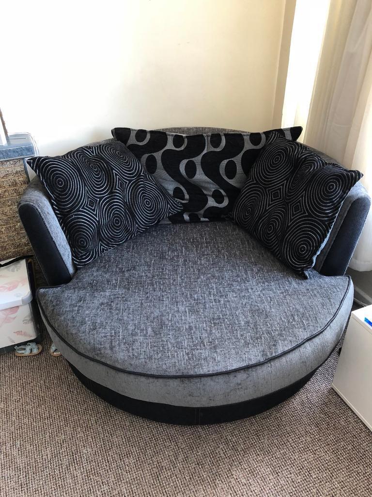 Spinning 360 Hugger Cuddle Chair