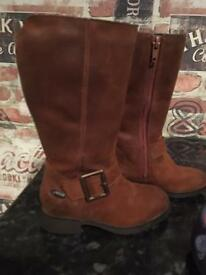 Clarks 7F girls boots