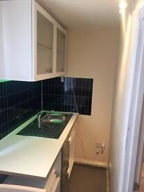 SELF CONTAINED STUDIO ROOM /BEDSIT .very clean (ur own bath & kitchenette )E7