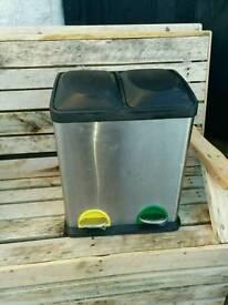 Double kitchen recycle bin