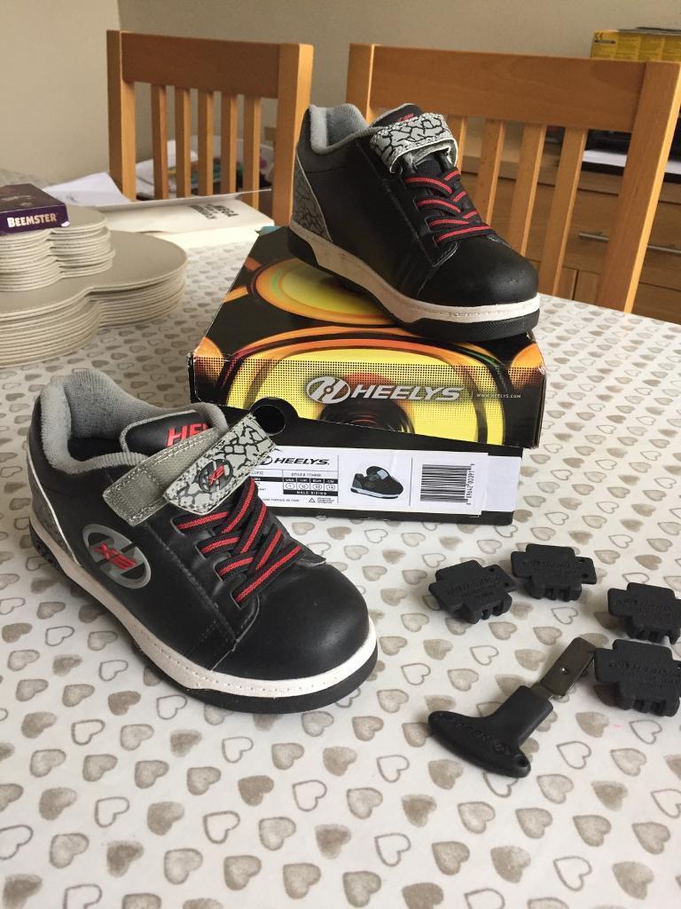 Heelys dual up X2 wheeled trainers size UK13
