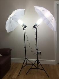 x2 STANDING PHOTOGRAPHY LIGHTS