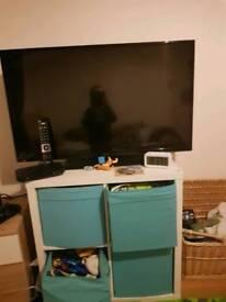 Hitachi 43 smart tv