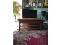 Rustic Oak TV Stand £80 O.N.O