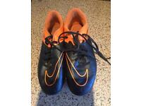 Nike hypervenom football boots with blades size 4.5
