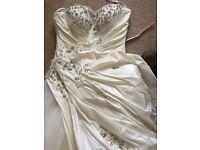 Stunning wedding dress swavolski crystal detail