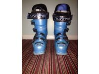 LANGE blue ski boots- 276mm (aged approx 9-10 years)