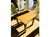 Small solid modern wooden dining table (Oak)