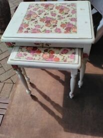 Nest of two tables, shabby chic