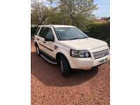 Freelander 2 White low mileage with service history and MOT