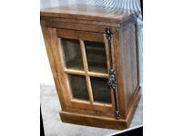 Junipa Bay One Door Glazed Cabinet