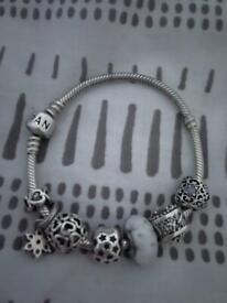 Pandora bracelet silver with 7 charms