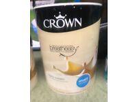 Brand new unopened tin 5 litres ivory cream Matt emulsion paint