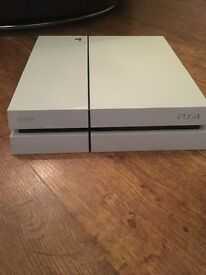 White PS4 500GB excellent condition Formula 1 online game