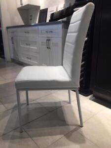 Chaise de cuisine elegant chaise de cuisine avec for Meuble boxing day