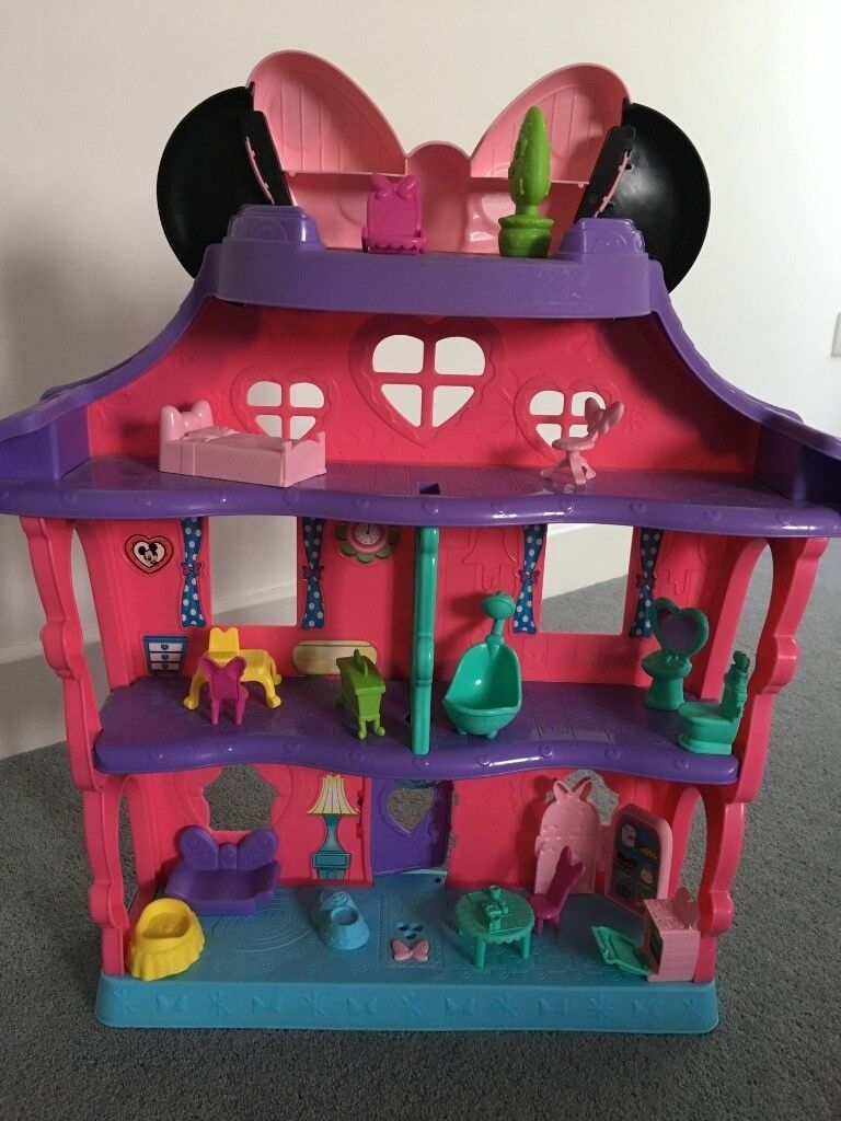 Minnie Mouse House And Furniture