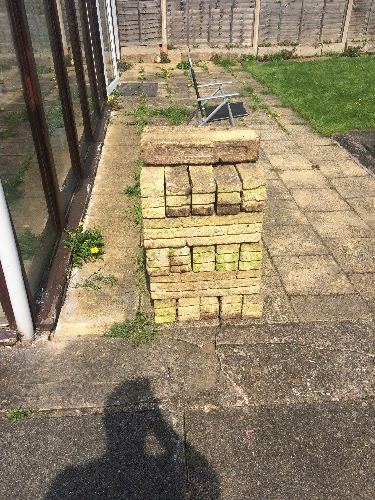 Garden Wall, Edging Stone Blocks Buff Colour. 27 Used