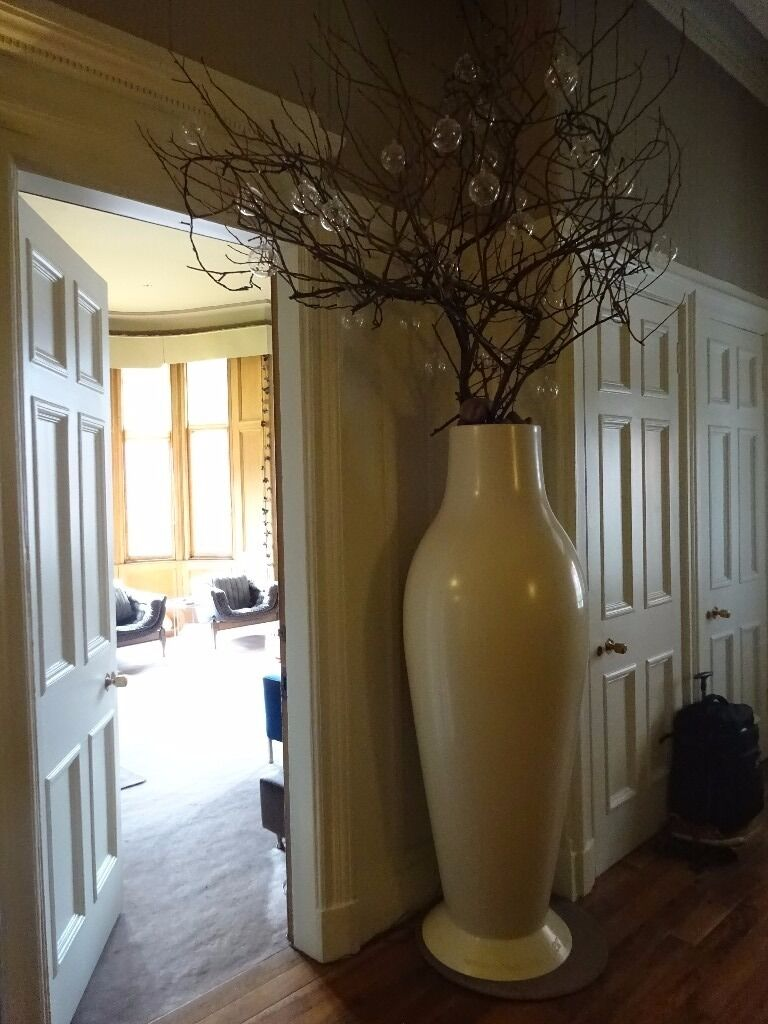 Phillippe Starck Kartell Oversized White Vase Misses Flower Power