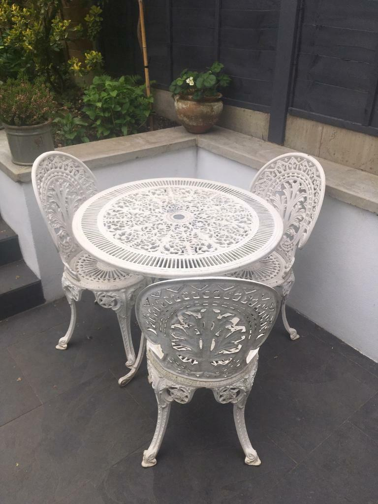 Vintage Cast Iron Garden Table And 3 Chairs Part 44
