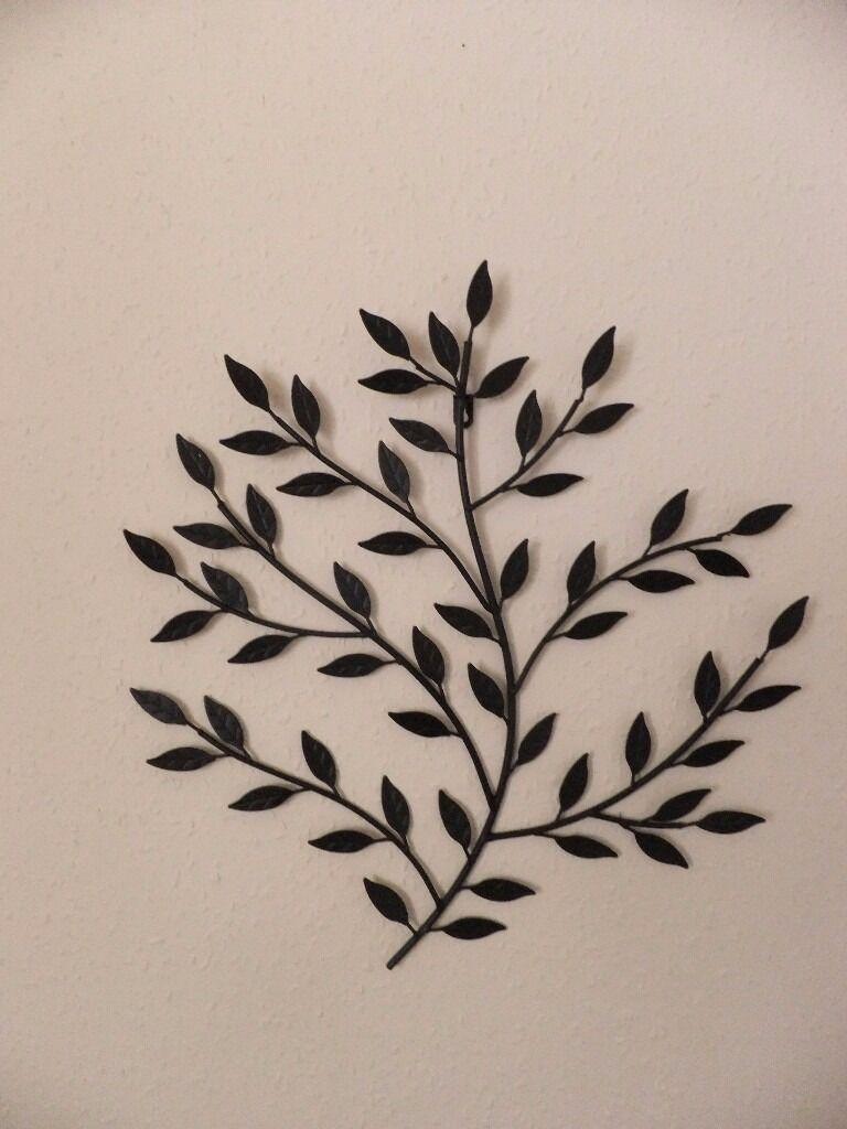 Black Metal Leaf Wall Art