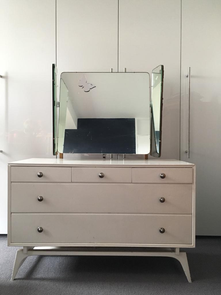 Dressing Table And Drawers With Detachable 3 Way Mirror.