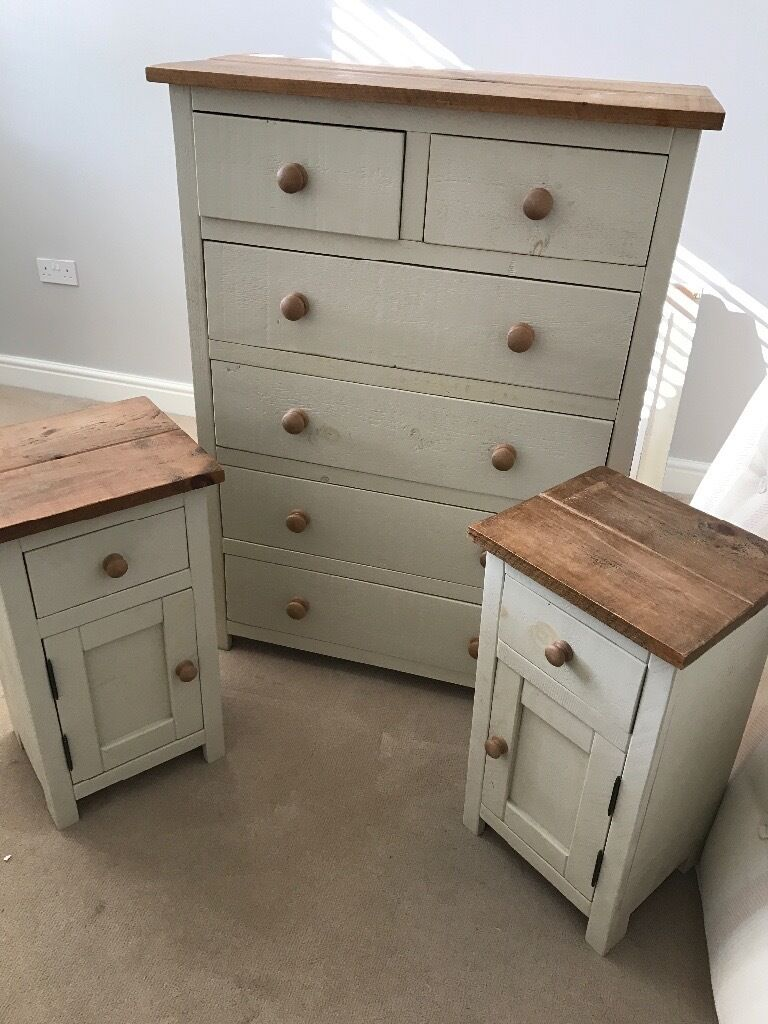 Chest Of Drawers U0026 Matching Bedside Tables