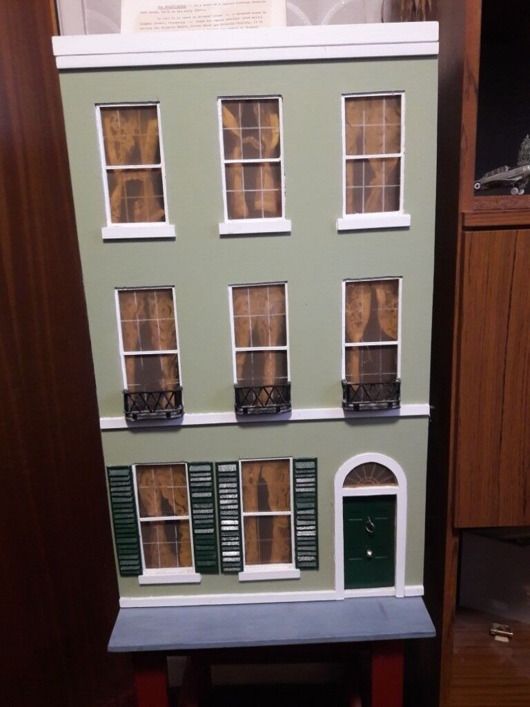 Hand Crafted Georgian Townhouse   Dolls House With Furniture And Lighting