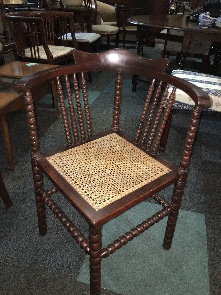 Gentil Lovely Antique Victorian Bobbin Turned Corner Chair With Rattan Seat