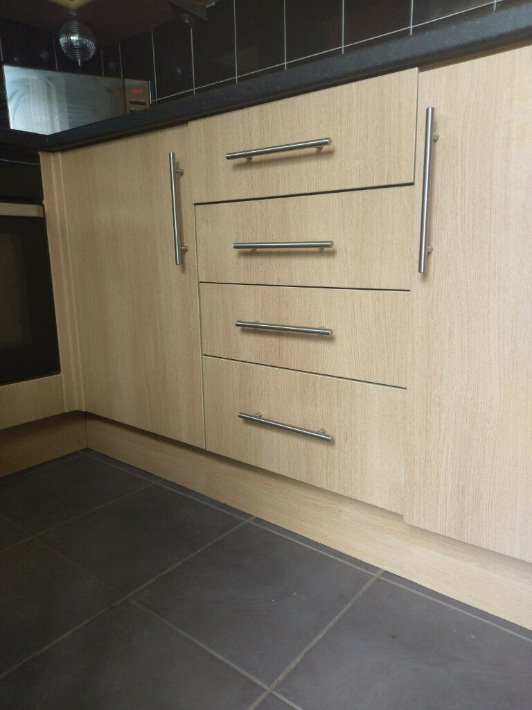 Howdens Kitchen Cupboard Door Handles In Stoke On Trent & Howdens Kitchen Doors Replacement | Sweet Kitchen